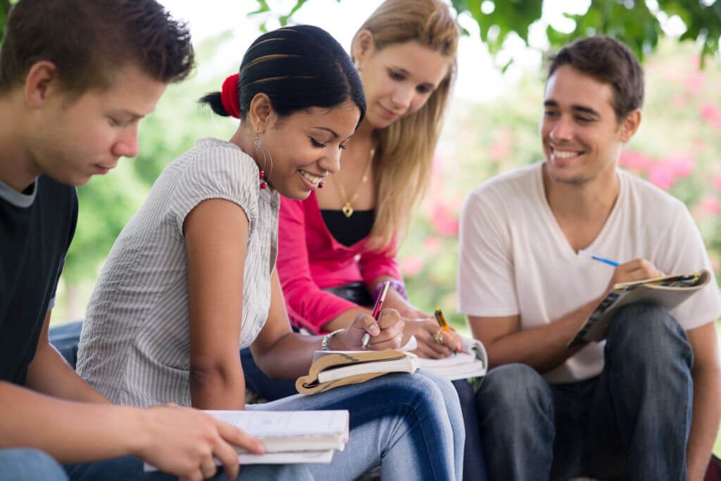 College Student Scholarships – The best way to Fund Your Education