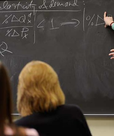 The Role of a Good Economics Teacher